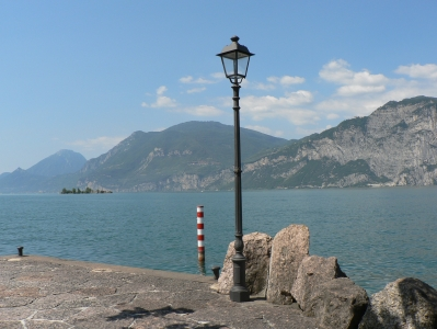pole-lakegarda.jpg