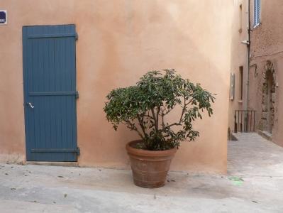 sttropez-door1.jpg