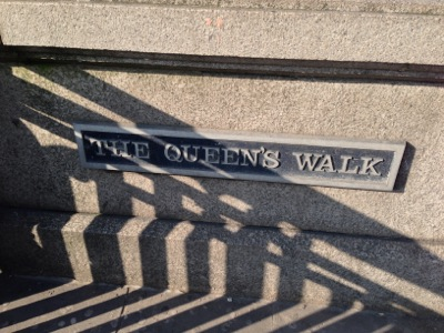 queenswalk.jpg